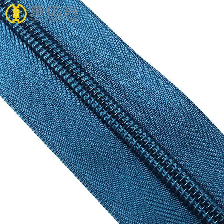 cheap garment color 5# nylon zipper rolls with blue teeth for sale