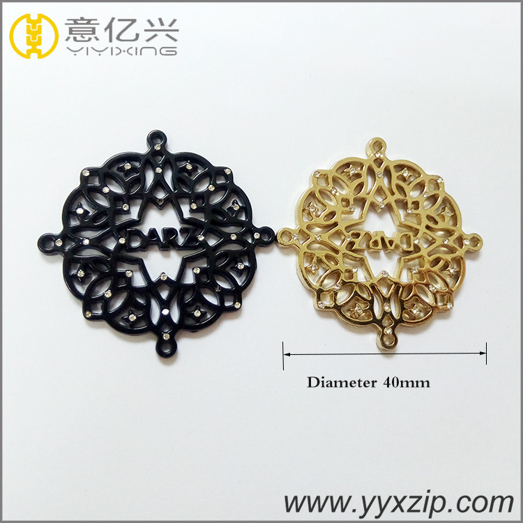 cheap no minimum black company pattern zinc alloy logo custom hollow gold popula