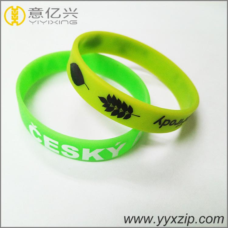 Guangzhou factory crafts wrist band / silicon bracelet wholesale / custom