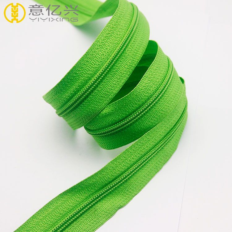 Hot sale cheap #5 green color nylon tape zipper long chain
