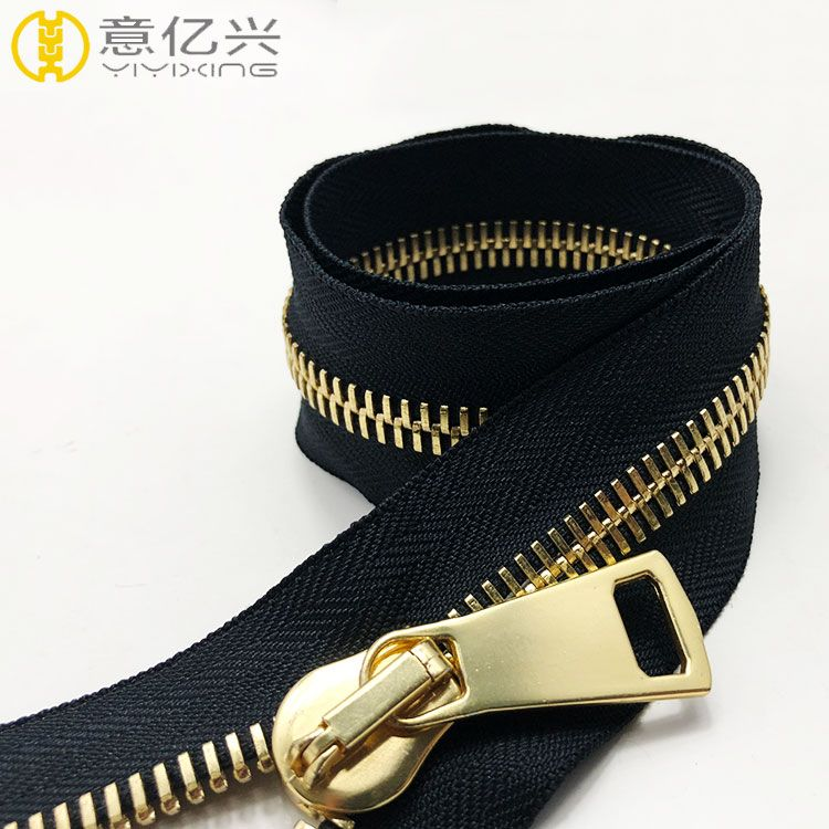 gold plated zipper with custom metal zipper pull